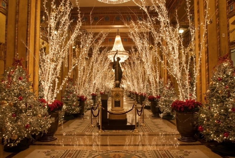 The Roosevelt New Orleans Holiday Lights