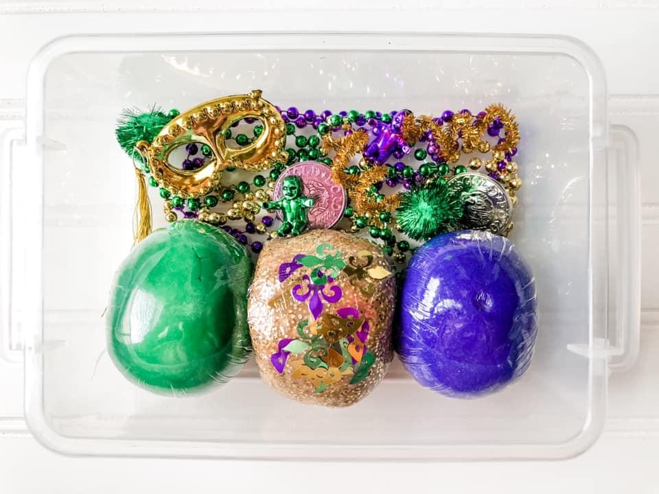 Mardi Gras playdoh sensory bin